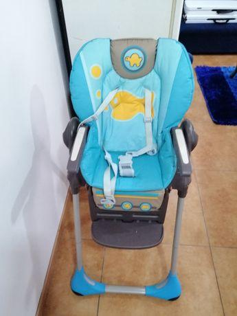 Cadeira de bebé chicco poly