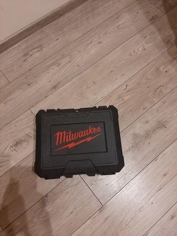 Milwaukee walizka