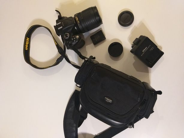 Nikon D5200 + Nikkor 18-105mm, mały przebieg 11627