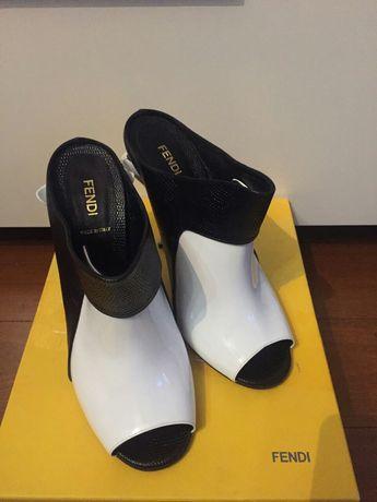 Абсолютно новые Мюли на каблуке Fendi