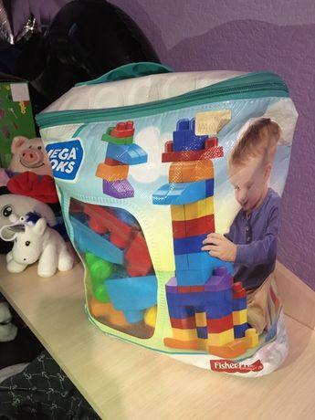 Mega bloks (mega blocks) первый конструктор для самых маленьких.