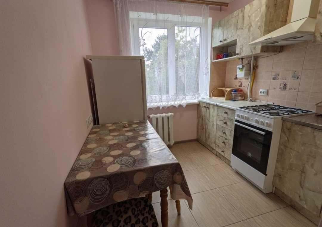 Пропонується в оренду 2-х кімнатна квартира з косметичним ремонтом