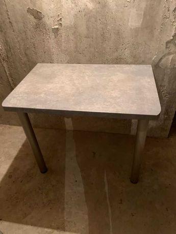 Stół kuchenny mocowany do ściany plus nogi