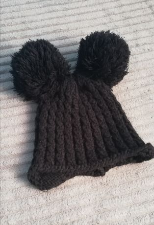 Czarna czapka ciepła