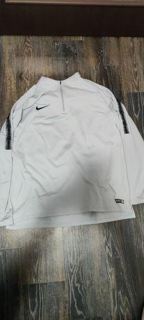 Брендова кофта від Nike