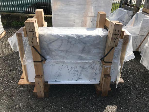 Stopnie Schody marmurowe Bianco di Carrara