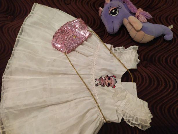 Платье фирменное праздничное