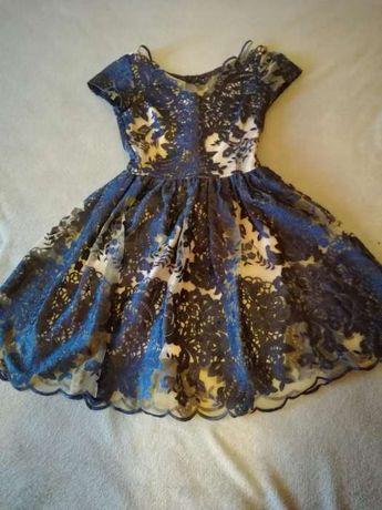 Koronkowa sukienka, balowa, przeźroczysty tył