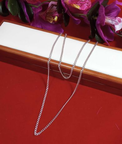Gustowny srebrny łańcuszek 9,26G