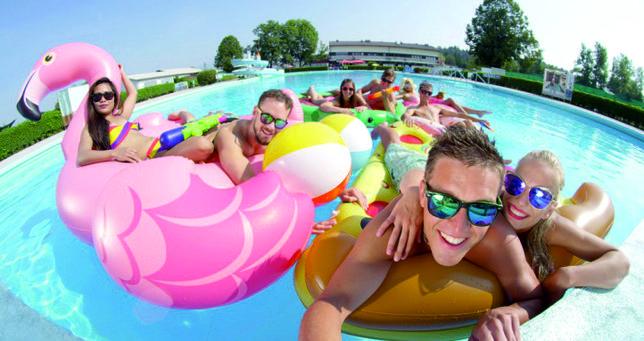 Jacuzzi de 3 a 6 pessoas desde 25% desconto Lisboa loja das piscinas