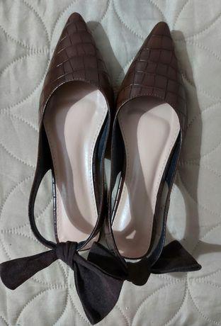 Sapatos castanhos nr 39
