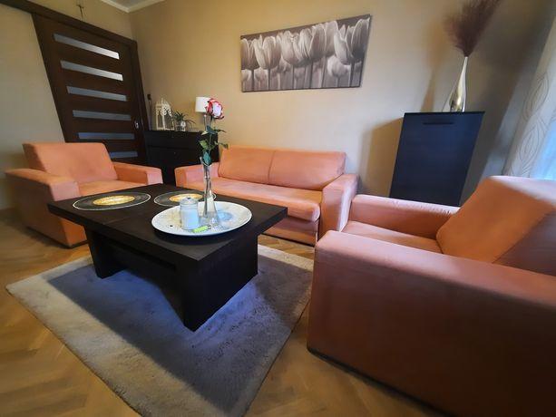 Komplet wypoczynkowy.  Nowoczesna sofa z funkcją spania + 2 fotele