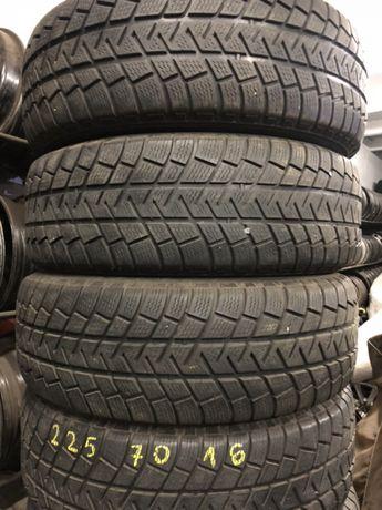 Opony zimowe 215/70x16 Michelin