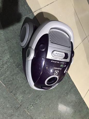 Пилосос Electrolux Classic Silence ZCS2240VEL