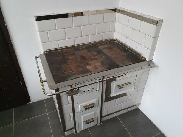 Piec kaflowy/kuchnia do demontażu - Biała.