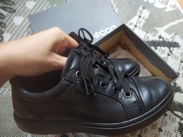 Кожа ЕССО р.33 как новые  туфли кроссовки