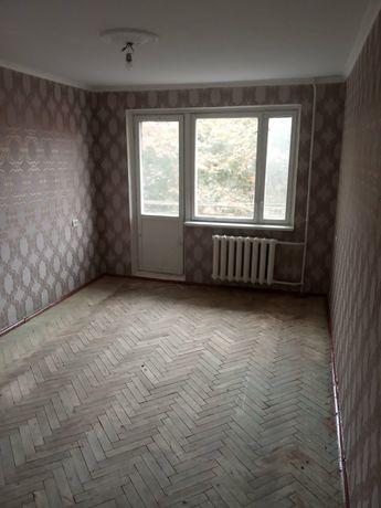 Продам терміново 1 кім квартиру.