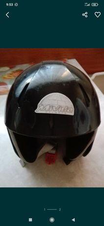 Włoski kask narciarski dla dziecka S-56