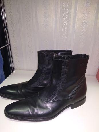 Продаются мужские демисезонные ботинки