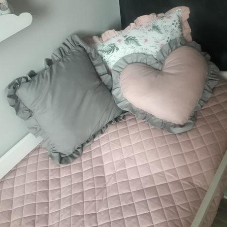 pikowana narzuta na łóżko dzieciece