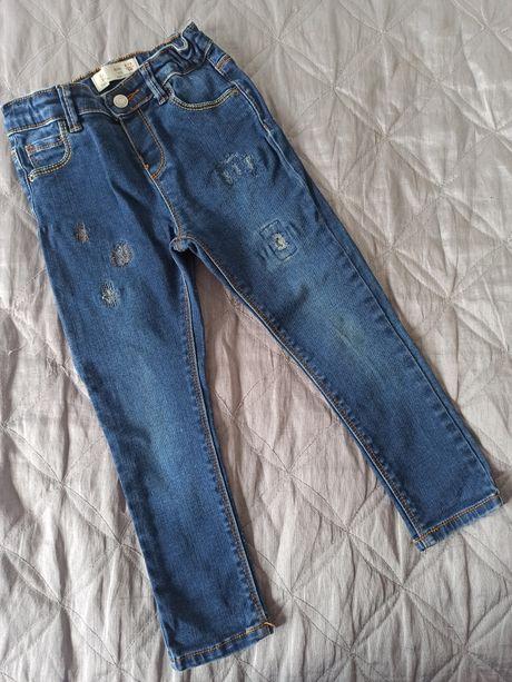 Zara 98 cm jeansy rurki z przetarciami jegginsy