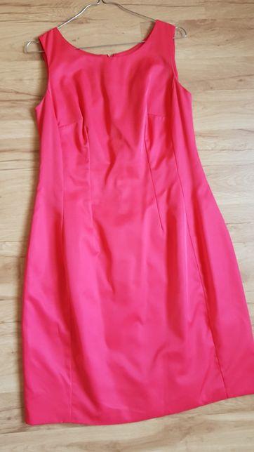 Czerwona sukienka 42