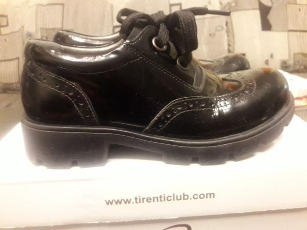 Лаковые туфли Tirenti на девочку размер 32