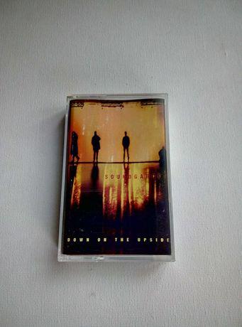 "Soundgarden  ""Down on the upside "" kaseta audio"