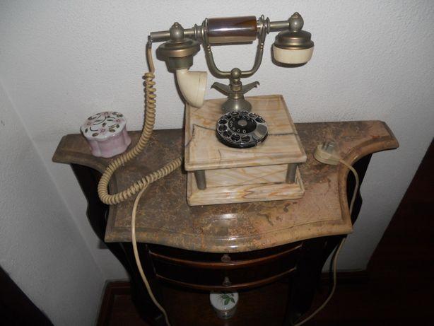Telefone de mesa antigo / decorativo