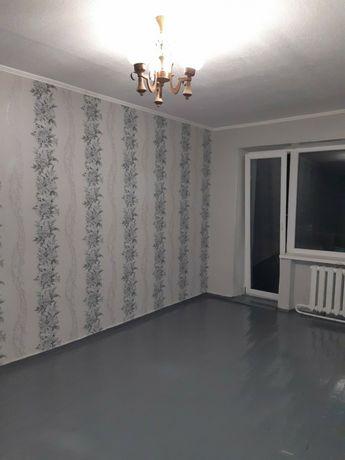 Продам хорошу світлу 1 кімнатну квартиру в центрі міста Узина
