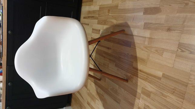 Krzesło jadalniane białe