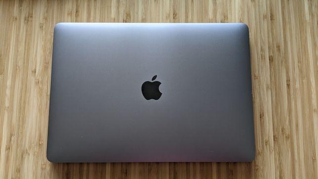 MacBook Pro 13, 256 GB, 8 GB  RAM, Touch Bar, STAN DOSKONAŁY
