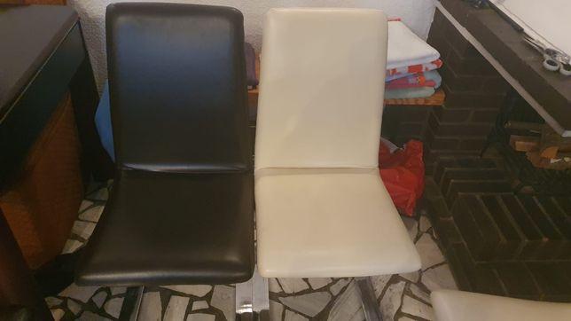 Wygodne krzesła do jadalni.