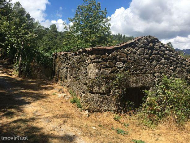 Quinta na zona do Gerês de 17000m2