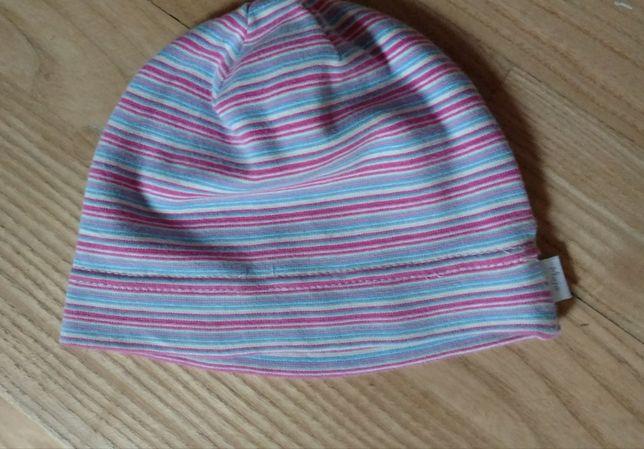 Elastyczna czapeczka dla dziewczynki na wiek 6-12 miesięcy