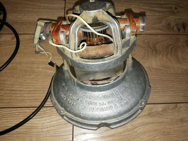 Двигун електричний