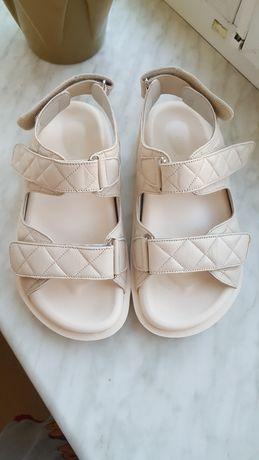 кожаные сандали в стиле шанель
