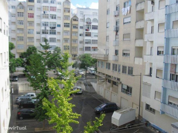 Apartamento T3 em São Domingos