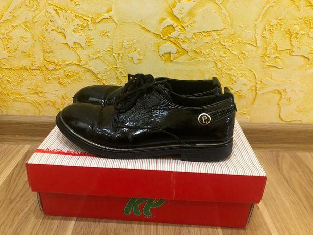 Кожанные туфельки K.PAFI 33 размера для девочки
