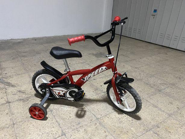 Bicicleta de criança com rodinhas