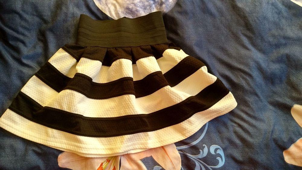 Красивая короткая юбка Гостомель - изображение 1