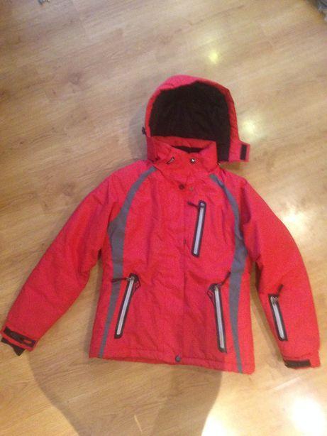 Czerwona kurtka narciarska damska