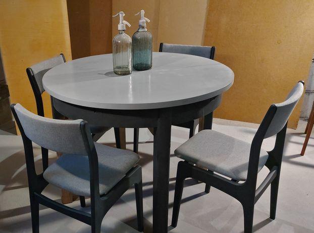 Stół  z krzesłami z PRL