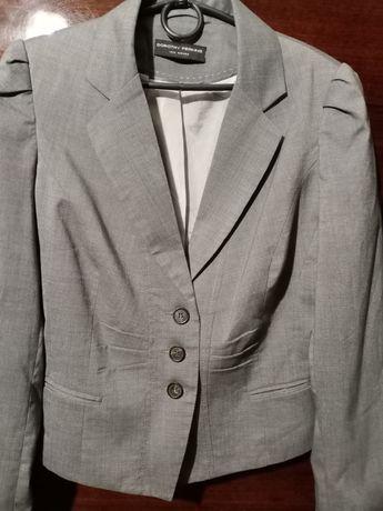 Деловой пиджак. Серый