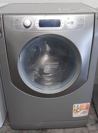 Máquina de lavar roupa cinza Ariston hotpoint aqualtis 9kg