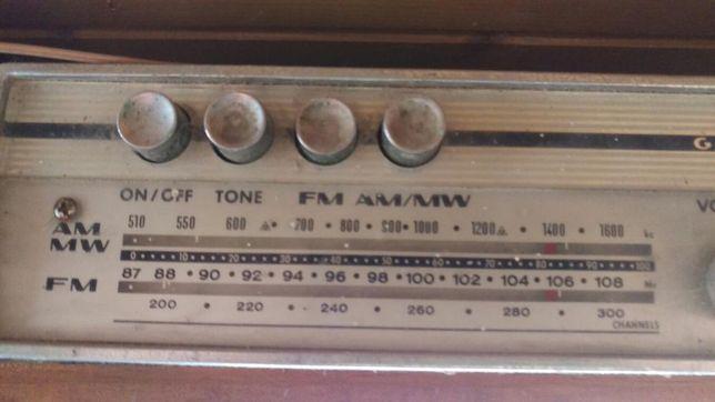Rádio Portátil GRUNDIG antigo