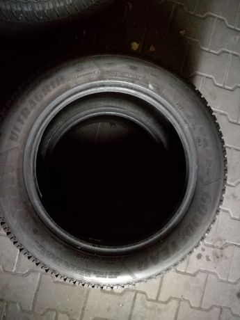 215/55R16 Goodyear ultragrip 8