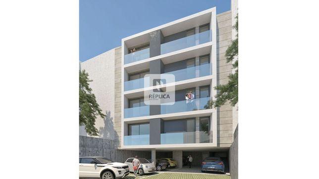 Apartamento T1 Novo - Montes Burgos