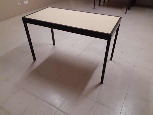 Mesas Carteiras usadas