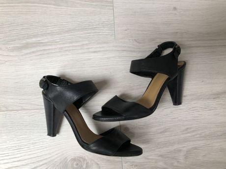 Vagabond eleganckie sandały na obcasie szpilki 39 skóra czarne